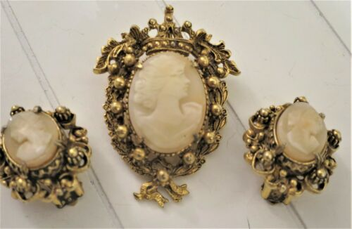 FLORENZA CAMEO SET PENDANT BROOCH AND EARRINGS MINT CONDITION SIGNED