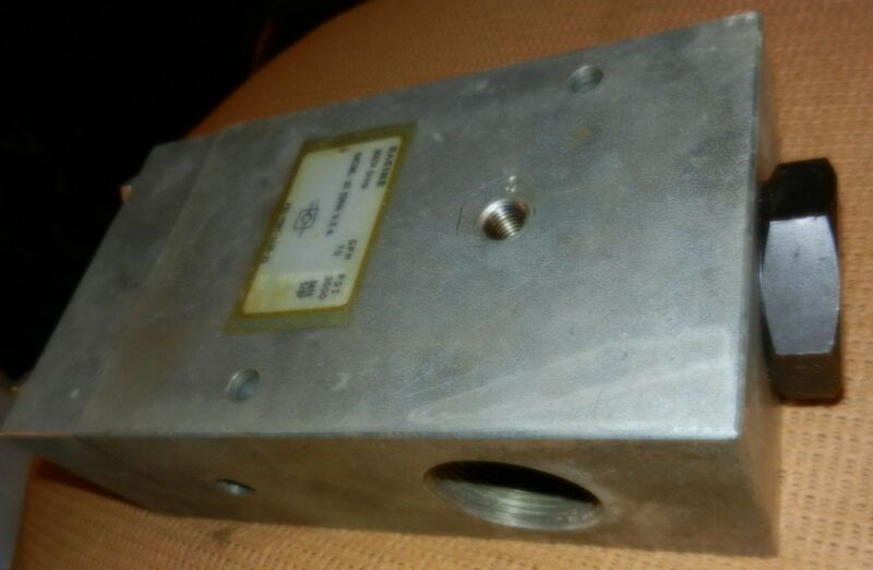 "Racine Bosch Rexroth 1-1/4"" check valve, 70 GPM 3000 psi, model FB1-P0HT-112R-21"