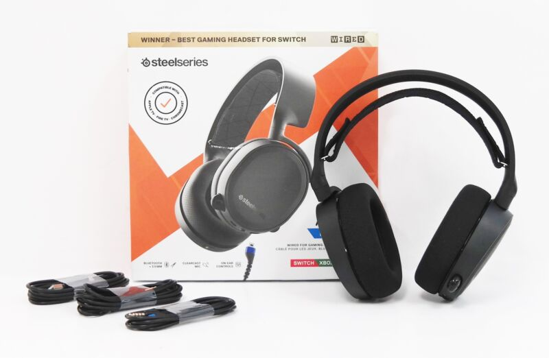 SteelSeries 61509 Arctis 3 Bluetooth Wireless Stereo Gaming Headset - Black