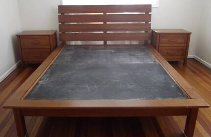 Bed-  Queen Size with 2x Bedside Tables
