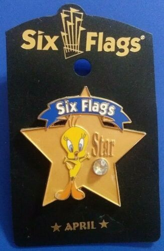 SIX FLAGS WARNER BROS TWEETY BIRD STAR BIRTHSTONE APRIL COLLECTIBLE PIN RARE