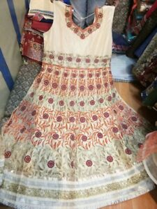 Indian pakistani ladies clothing plus sizes on rent for parties