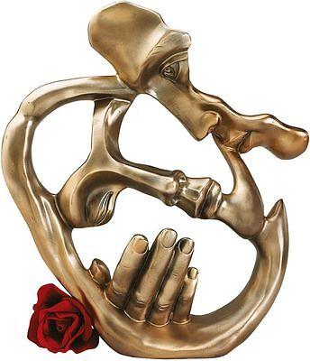 Декоративные фигуры A Lover's Kiss Contemporary