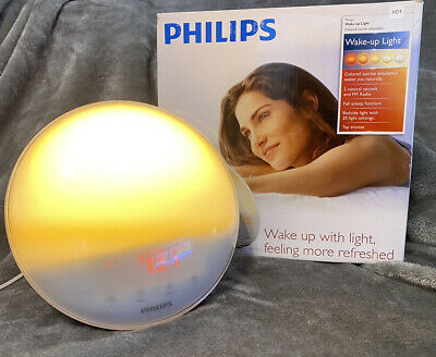 Philips Colored Sunrise Simulation Wake-up Light HF3520 AM/FM Radio, Alarm