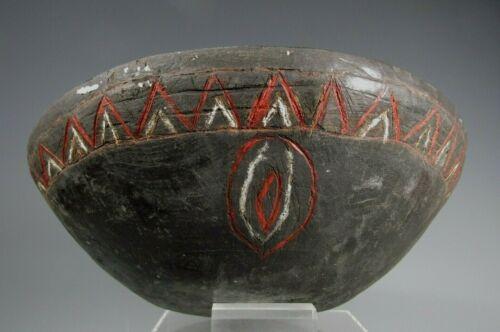 Papua New Guinea Ramu People Madang Coast Wood Bowl Incised Red & White decor