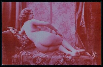 French nude woman big butt original 1920s old fucsia color photo postcard