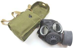 WW2 VINTAGE GAS MASK & CANVAS SHOULDER BAG