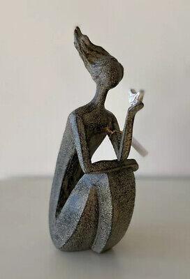 Frauenskulptur Skulptur Frau mit Vogel auf Hand Kunst modern abstrakte Figur H27
