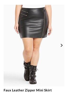 NWT TORRID Faux Black Leather Zipper Moto Biker Mini Skirt Size 0 Women 12 L/XL