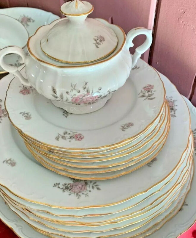Fine Bohemian China  Maria Czechoslovakia 28 pieces