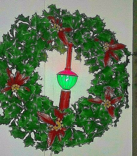VTG Christmas Vinyl Plastic Holly Wreath With Bubble Light Candle Hong Kong