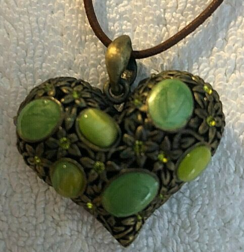 """SHARON TATE ORIG. PERSONALLY WORN/USED METAL """"PUFF"""" HEART/STONE PENDANT/NECKLACE"""