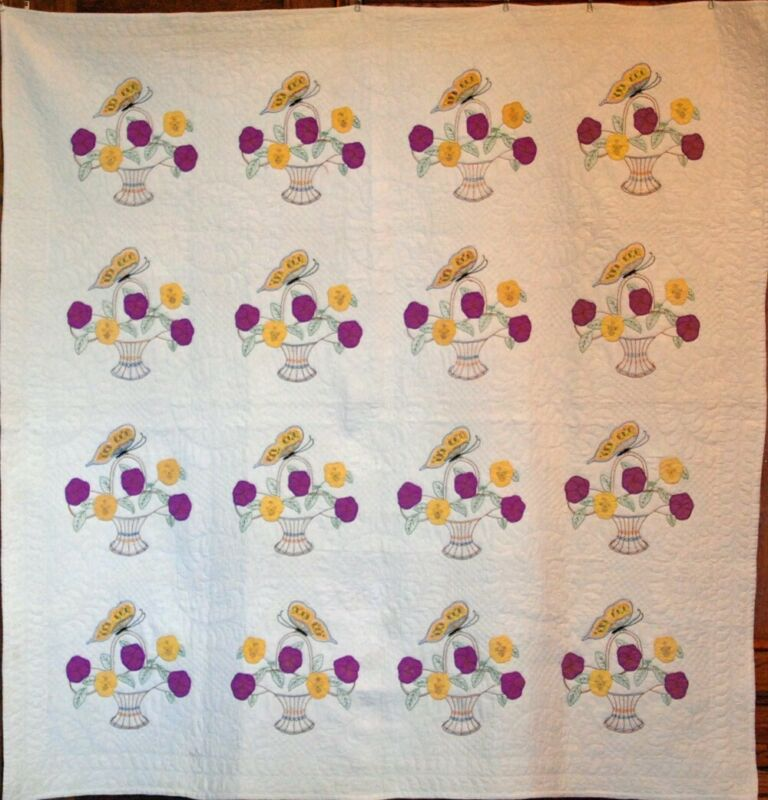 PANSY & BUTTERFLY ~APPLIQUE & EMBROIDERY~BEST of KIND ANTIQUE QUILT 1930 VINTAGE