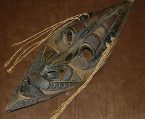 Carved Wooden Mask from Sepik River Region Papua New Guinea Measure 24 x 9 VGC