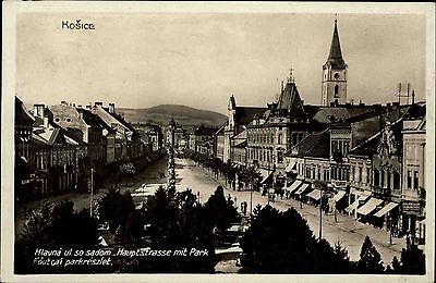 Košice Kaschau Slowakei franierte AK um 1930 Blick auf die Hauptstraße mit Park