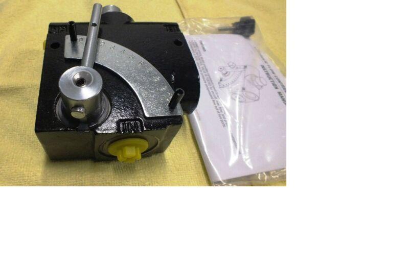 Hydraulic Adjustable Pressure Compensated Flow Divider Valve 120 or 60 Lt/Min