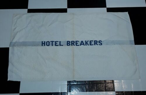 VINTAGE HOTEL BREAKERS BATH TOWEL SANDUSKY OHIO