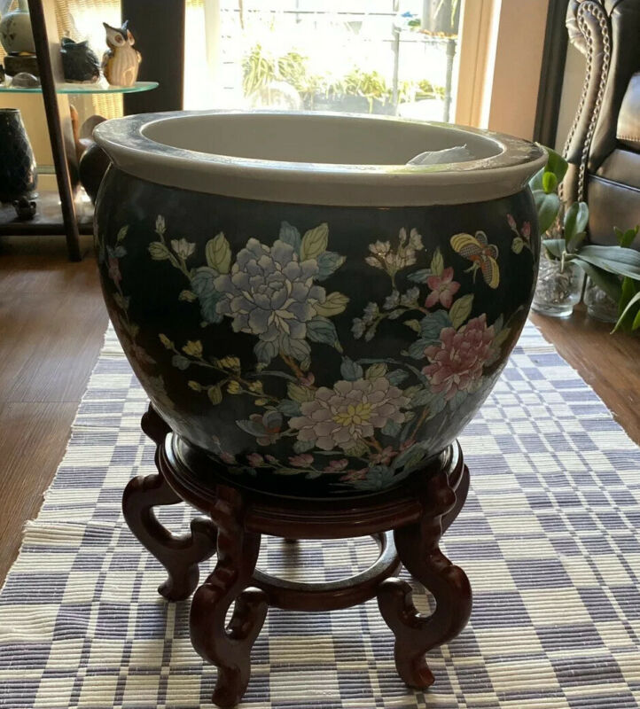 KOI FISH BOWL ORIENTAL JARDINIERE WITH STAND  PLANTER FAMILLE ROSE CHINA NOIRE