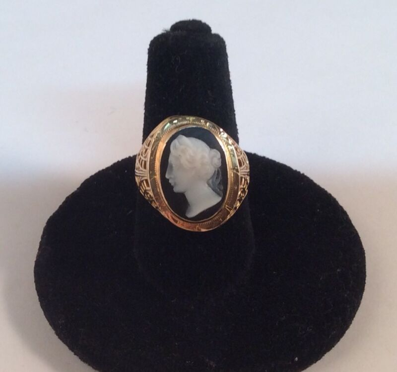 Vintage 14k Yellow Gold Cameo Ring Size 5 1/2