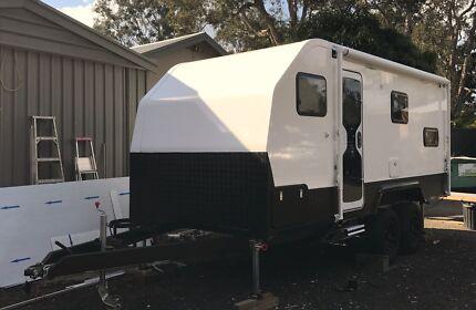 Buitmyown Toyhauler Toy hauler Caravan