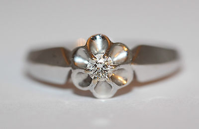 Flower Shaped 9ct White Gold Ring Set With a 0.10 Carat Diamond Size O 1/2