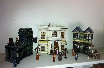Lego Harry Potter Diagon Alley (10217) (100% complete w/ instructions) (NO BOX)