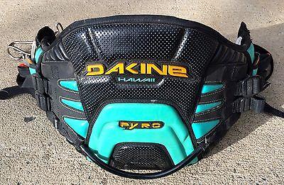 Dakine Pyro Kite harness with bar