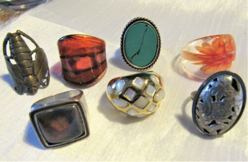 Lot of 7 Vintage Rings Glass Turquoise Stone Silver & Gold Tone (J)