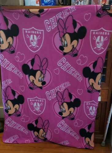 A0104 DISNEY HOT PINK 100% POLYESTER BLANKET 48 IN X 36 IN COMBINE SHIP