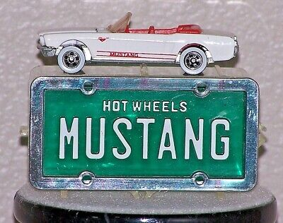 HOT WHEELS PARK N PLATES 1965 MUSTANG CONVERTIBLE, OPEN/LOOSE