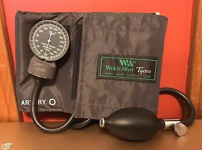 Vintage Tycos Ce0050 Sphygmomanometer Blood Pressure Checker As Is Read A9
