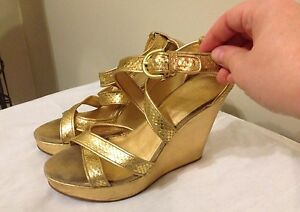 Coach size 7.5 Wedge gold Python leather shoes