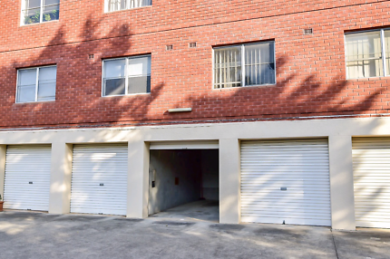LOCK UP GARAGE Car Space - 200M FROM EASTWOOD TRAIN STATION