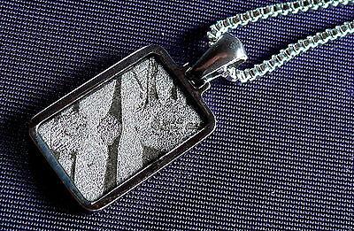 Anhänger Meteorit Pallasit Seymchan, Kette versilbert Heilstein 18x12x2,6mm 3,2g