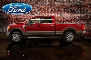 2017 Ford F-350 4x4 Crew Cab Lariat FX4 Diesel Leather Roof Nav