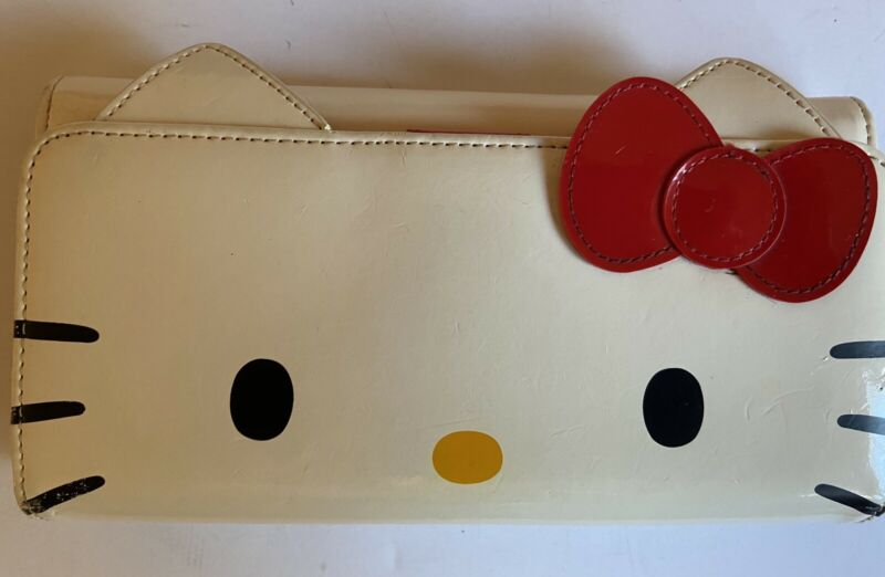 SANRIO Hello Kitty Face With Bow clutch wallet(2009) *Pre-Owned*