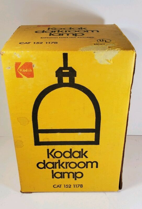 VINTAGE KODAK DARKROOM LAMP With box