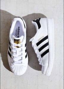 ADIDAS SUPERSTAR SNEAKERS-LIKE NEW! Women's size 9.5