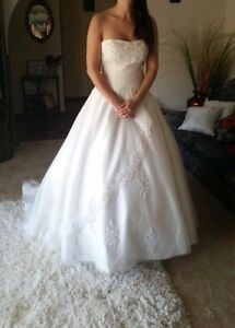 Wedding dress Cheltenham Charles Sturt Area Preview
