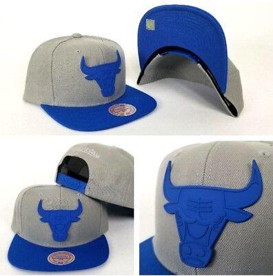 Mitchell & Ness Grey / Royal Blue Metal Badge Logo Chicago Bulls snapback Hat