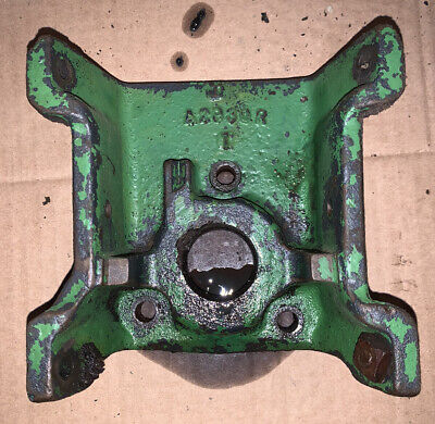 John Deere Late Styled A B G A2930r Pto Shied Bracket Casting