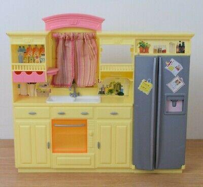 Barbie Mattel living in style Kitchen 2002