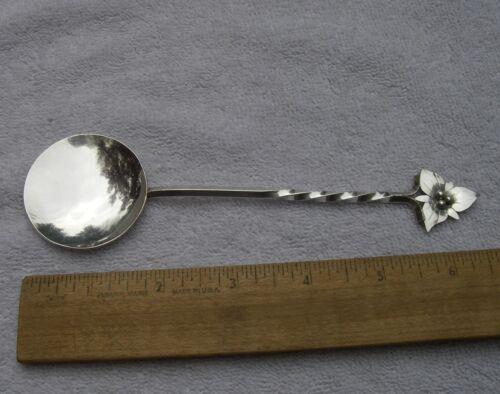 Rare CANADIAN Handmade Silver TRILLIUM FLOWER Top Large Spoon-Douglas BOYD-1970