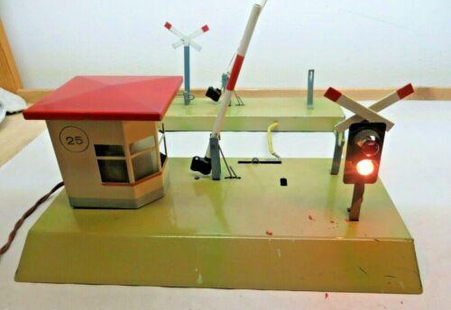 Kibri Gauge 0 Gauge 1 Blech-Bahnschranke Crossing with Flashing Light Red/White