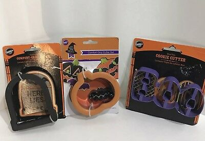 Wilton Halloween Cookie Cutters 4 Large Bat Tombstone Pumpkin BOO New in Package - Large Metal Halloween Cookie Cutters