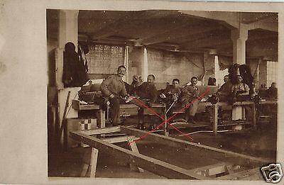 16646/ Originalfoto 9x13cm, Pause in einer alten Werkstatt, ca. 1910