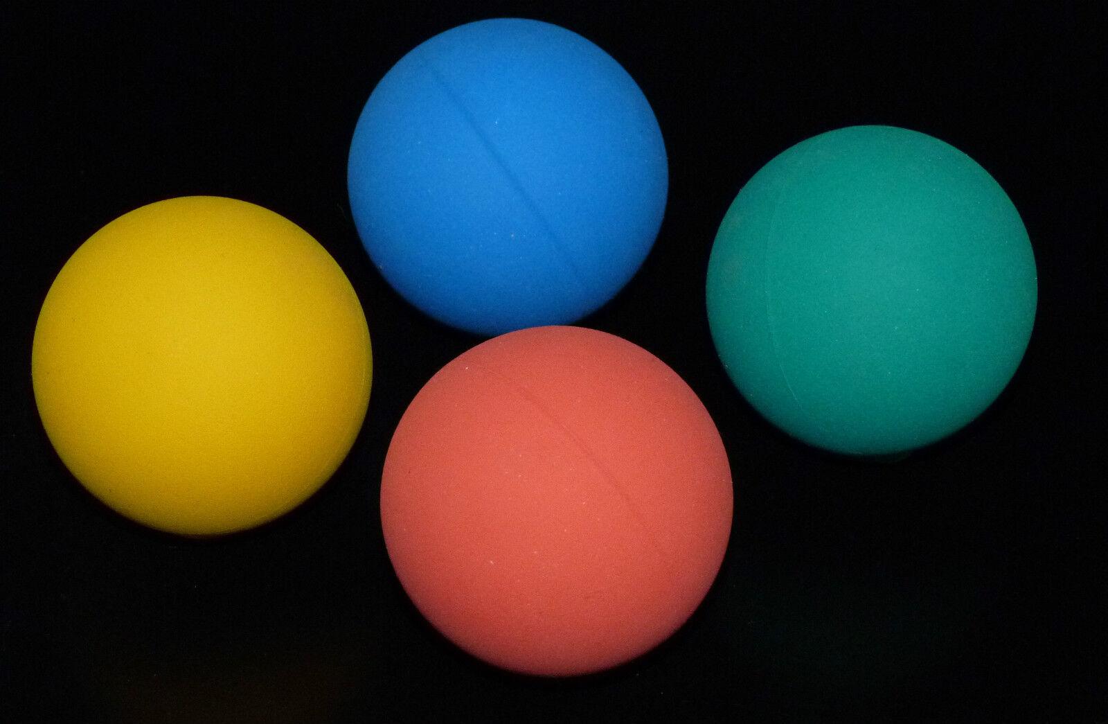 Hundeball Hundespielzeug Ball aus Naturkautschuk schwimmfähig  Spielball 5,5cm