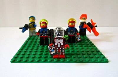 Lego #6705 Space Explorers- Complete Set of 5 Minifigs (no box/manual) VTG 1994