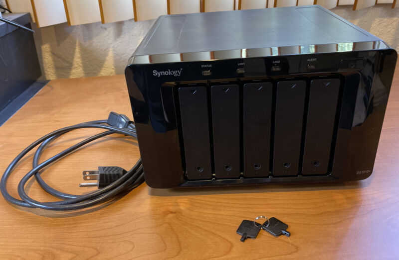 Synology DiskStation DS1512+ DISKLESS NAS Server 3GB RAM Upgrade