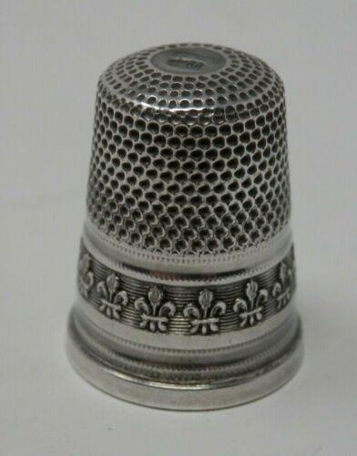 Vintage Sterling Silver Fleur de Lis Sewing Thimble - Hallmarked Star 800 209 F1